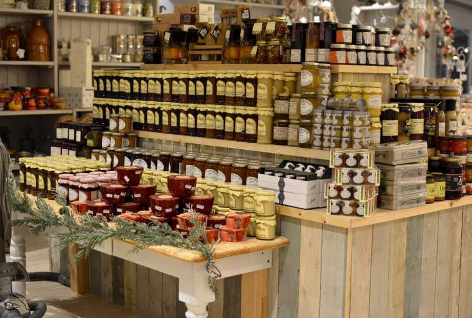 Torworth Grange is the ideal place for all your gifts, luxury food items, fresh produce in our farm shop, caravan site, fishing lakes, cafe and restaurants and more